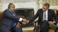 Le président de Djibouti, Omar Guelleh et le président américain Barack Obama à Washington DC, le 5 mai 2014 [Brendan Smialowski / AFP]