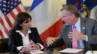 La maire de Paris Anne Hidalgo rencontre le maire de New York Bill de Blasio, le 30 mai 2014 à New York [Emmanuel Dunand / AFP]