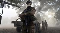 Un soldat français portant un masque à tête de mort, le 20 janvier 2013 à Niono, au Mali [Issouf Sanogo / AFP]