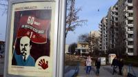 Publicité avec une effigie de Lenine d'un opérateur téléphonique à Varsovie, le 8 janvier 2012 [Janek Skarzynski / AFP]