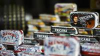 Des boîtes de conserve présentées à la Conserveira de Lisboa, à Lisbonne, le 18 mars 2013 [Patricia Melo Moreira / AFP]