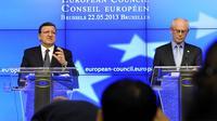 Le président de la Commission européenne José Manuel Barroso (G) et  le président du Conseil de l'UE, Herman Van Rompuy, le 22 mai 2013 à Bruxelles [Georges Gobet / AFP]