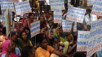 Manifestation contre le groupe pharmaceutique suisse Novartis, le 10 juillet 2012 à New Delhi [Raveendran / AFP/Archives]