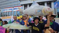 Des riverains thaïlandais du Mékong opposés à la construction d'un barrage controversé sur le fleuve au Laos ont déposé un recours mardi devant la justice à Bangkok pour tenter d'empêcher la Thaïlande d'acheter l'électricité produite par la future centrale hydroélectrique.[AFP]