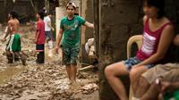Les Philippines redoutaient lundi de nouvelles pluies torrentielles dans le sillage d'une tempête tropicale attendue dans la soirée, après le déluge qui a noyé Manille la semaine dernière et touché près de 3,5 millions de personnes.[AFP]