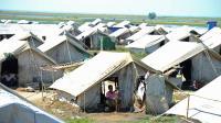 Un camp de réfugiés musulmans rohingyas, le 30 octobre 2012 près de Sittwe, dans l'ouest de la Birmanie [Soe Than Win / AFP]