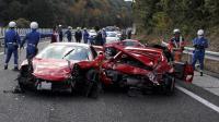 Trois Ferrari accidentés sur une autoroute au Japon le 4 décembre 2011