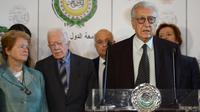 Le médiateur international Lakhdar Brahimi lors d'une conférence de presse au Caire, le 24 octobre 2012 [Khaled Desouki / AFP]