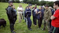 Un agriculteur de la Manche a été interpellé mardi matin par les forces de l'ordre et placé en garde à vue alors qu'il tentait, comme la veille, de s'opposer à la construction dans son champ de deux pylônes de la ligne à très haute tension (THT) Cotentin-Maine, a-t-on appris auprès de la préfecture.[AFP]