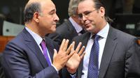 Pierre Moscovici et son homologue suédois Anders Borg, le 13 novembre 2012 à Bruxelles lors d'une réunion des ministres des Finances de l'UE [Georges Gobet / AFP]