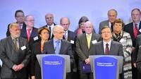 Le président de la Commission européenne José Manuel Barroso (d) lors d'une conférence de presse aux côtés de Herman Van Rompuy (g) à Bruxelles [Georges Gobet / AFP]