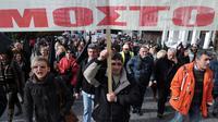 Des manifestants devant le Parlement grec, à Athènes, le 14 décembre 2012 [Louisa Gouliamaki / AFP]