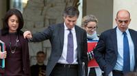 Jérôme Cahuzac entre Sylvia Pinel, Delphine Batho et Kader Arif le 9 janvier 2013 à la sortie du Conseil des ministres à l'Elysée [Bertrand Langlois / AFP]