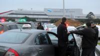 Taxis en grève rassemblés le 10 janvier 2013 près de l'aéroport de Toulouse-Blagnac