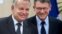 Le ministre de l'Education nationale Vincent Peillon, avec le Premier ministre Jean-Marc Ayrault, le 14 février 2013 à Reims [Francois Nascimbeni / AFP/Archives]