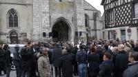 Les proches de Gérald Barbin  lors de ses obsèques le 5 avril 2013 à Nemours [Jacques Demarthon / AFP]