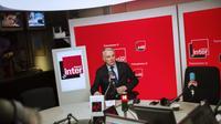 Jean-Marc Ayrault, le 17 avril 2013 dans les locaux de France Inter à Paris [Fred Dufour / AFP]