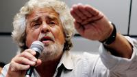 L'ex-comédien Beppe Grillo donne une conférence de presse à Rome, le 21 avril 2013 [Alberto Pizzoli / AFP]