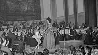La célèbre cantatrice américaine d'origine grecque, Maria Callas, chante le 05 juin 1963 au théâtre des Champs Elysées à Paris [ / AFP/Archives]