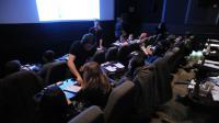 Séance dînatoire au cinéma Nighthawk de Brooklyn, le 19 mars 2013 à New York [Stan Honda / AFP]