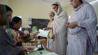 Des Pakistanaises dans un bureau de vote pour les élections législatives, le 25 juillet 2018 à Islamabad [AAMIR QURESHI / AFP]
