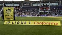 """La 38e et dernière journée de Ligue 1 a été """"avancée"""" au vendredi 24 mai à 21h00, au lieu du samedi 25, """"à la demande du ministère de l'Intérieur"""", a annoncé la Ligue de football professionnel vendredi soir. [PASCAL PAVANI / AFP/Archives]"""
