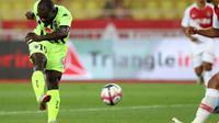 L'attaquant d'Angers Stéphane Bahoken buteur lors de la victoire 1-0 à Monaco le 25 septembre 2018 [VALERY HACHE / AFP]