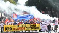 Des employés de l'usine Ford de Blanquefort manifestent contre la fermeture du site, le 22 septembre 2018 à Bordeaux [MEHDI FEDOUACH / AFP/Archives]