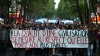 Manifestation devant le ministère de la Santé à Paris contre l'arrêt des soins prodigués à Vincent Lambert, le 20 mai 2019 [KENZO TRIBOUILLARD / AFP]
