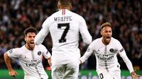 Les Parisiens (de g. à d.) Juan Bernat, Kylian Mbappé et Neymar contre Liverpool en Ligue des champions, le 28 novembre 2018 au Parc des Princes [FRANCK FIFE / AFP/Archives]