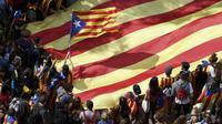 Des étudiants manifestent pour défendre le référendum d'autodétermination, le 28 septembre 2017 à Barcelone [PAU BARRENA / AFP]