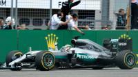 Le Britannique Lewis Hamilton (Mercedes) franchit en tête la ligne d'arrivée du GP d'Allemagne de F1 sur le circuit d'Hockenheim, le 31 juillet 2016 [Thomas Kienzle                       / AFP]