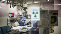 Un chirurgien à l'hôpital Edouard Herriot le 10 avril 2014, à Lyon [Jeff Pachoud / AFP/Archives]