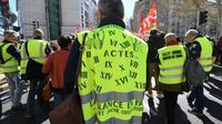 """Un """"gilet jaune"""" participe à une manifestation le 19 mars 2019 à Montpellier [Pascal GUYOT / AFP/Archives]"""