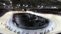Une course cycliste lors de l'inauguration du vélodrome de Saint-Quentin-en-Yvelines, le 30 janvier 2014 à Montigny-le-Bretonneux. [Thomas Samson / AFP/Archives]