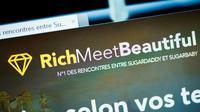 La mairie de Paris a saisi mercredi la justice contre le site RichMeetBeautiful et sa publicité mobile, pour incitation à la prostitution [BERTRAND GUAY / AFP]