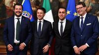 Le ministre de l'Intérieur Matteo Salvini, le Premier ministre italien Giuseppe Conte, Le ministre du Travail et de l'Industrie Luigi Di Maio (de gauche à droite) à Rome le 1er juin 2018 [Andreas SOLARO / AFP]
