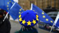 Une nouvelle directive de l'UE prévoit de protéger les lanceurs d'alerte, qui pourront avertir l'opinion publique d'un scandale financier, sanitaire ou environnemental sans crainte de représailles [Ben STANSALL / AFP/Archives]