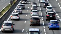 La circulation sera difficile samedi, avec un trafic classé orange dans le sens des départs, en ce premier week-end des vacances d'été [GEORGES GOBET / AFP/Archives]
