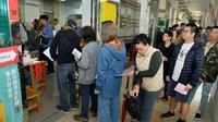 Les électeurs affluaient samedi matin à Taiwan, ici à Taipeh, le 24 novembre 2018 [Chris STOWERS / AFP]