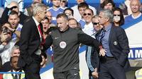 Altercation entre Arsène Wenger et José Mourinho