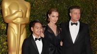 Angelina Jolie serait-elle prête à utiliser son fils Maddox contre son ex Brad Pitt ?