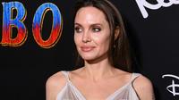 Après avoir incarné Lara Croft au cinéma, puis Maléfique, Angelina Jolie pourrait se glisser cette fois dans la peau d'une super-héroïne.