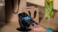 L'Apple Pay intégré à l'iPhone 6 permet de régler ses achats sans sortir sa carte de crédit.