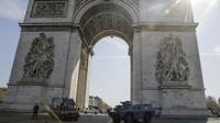 L'Arc de Triomphe a notamment gardé portes closes.