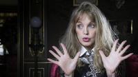Arielle Dombasle se glissera dans la peau de candidate dans Danse avec les stars
