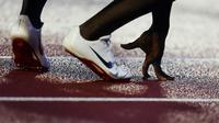 Après la suspension de quatre ans de son entraîneur maison Alberto Salazar pour infraction aux règlements sur le dopage, l'équipementier américain Nike et son PDG Mark Parker sont désormais menacés par le scandale.