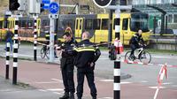 Le suspect arrêté après la fusillade qui a fait trois morts dans un tramway à Utrecht aux Pays-Bas va comparaître pour homicides à des fins «terroristes»