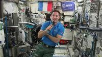L'astronaute français Thomas Pesquet, le 30 mai 2017 à bord de la Station spatiale internationale [STR / EUROPEAN SPACE AGENCY/AFP]