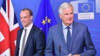 Le négociateur du Brexit pour l'UE Michel Barnier et le ministre britannique chargé du Brexit Dominic Raab à Bruxelles le 31 août 2018 [Emmanuel DUNAND / AFP]